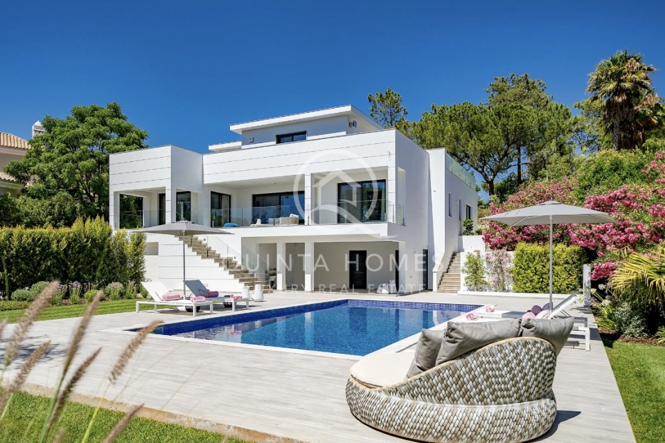 Brand new fully furnished contemporary villa with golf views