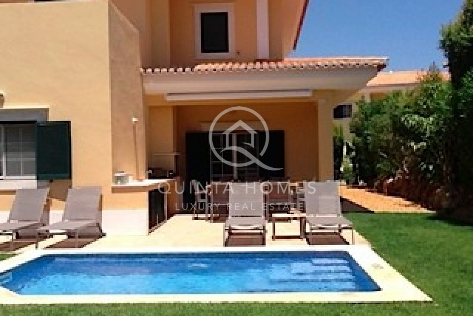 Spacious and bright 3 bedroom townhouse in Martinhal Quinta