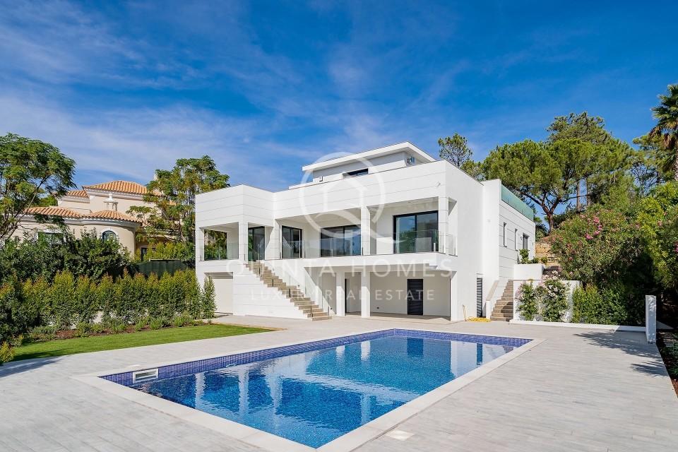 Brand new contemporary villa with golf views