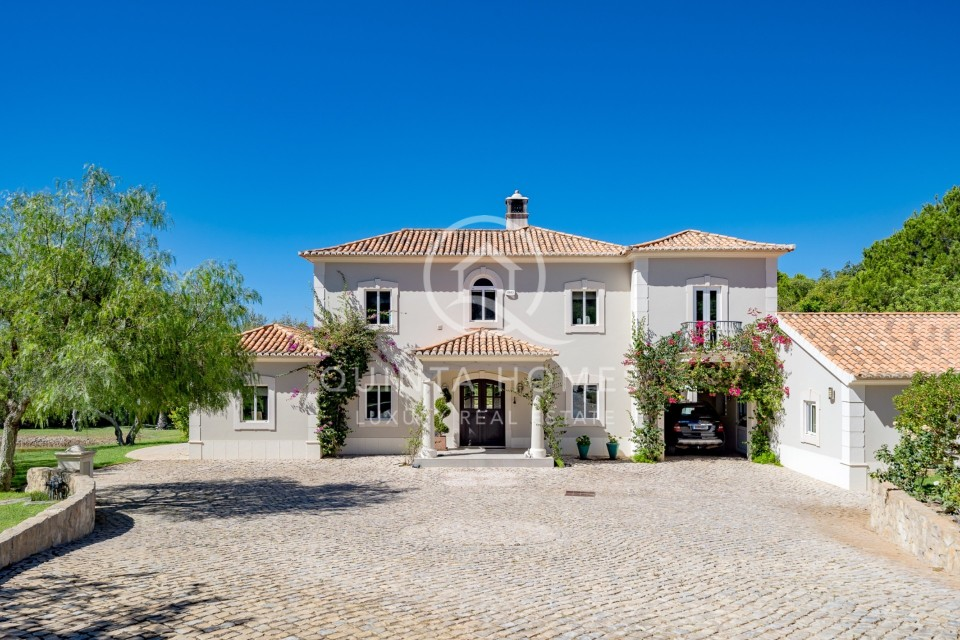 Beautiful Renovated Manor house