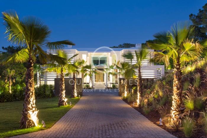 Spectacular contemporary villa